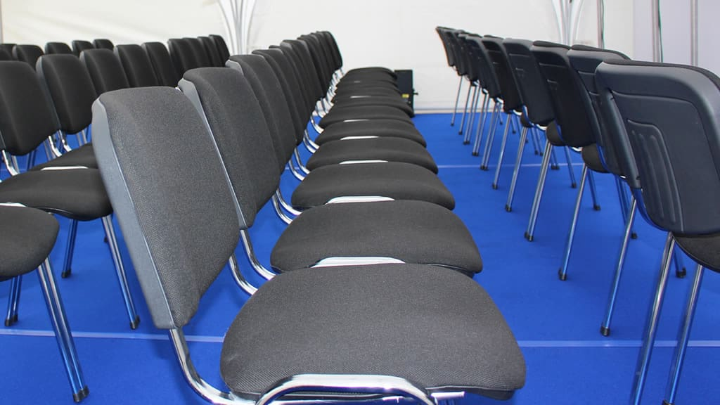 Konferenzstuhl VISI | Gestell verchromt | around GmbH
